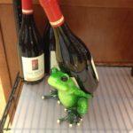 カエルワイン置き